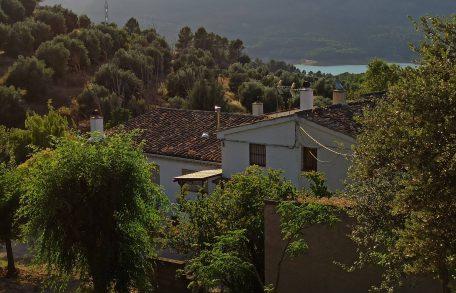 Casa Rural Mesoncillo II - Vista general de casa y pantano de El Tranco